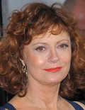 Extra Scoop: Susan Sarandon Admits to Attending 'Almost All' Award Shows Stoned