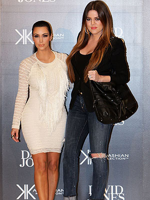 Extra Scoop: Kim and Khloe Take Charge Against Reckless Driver