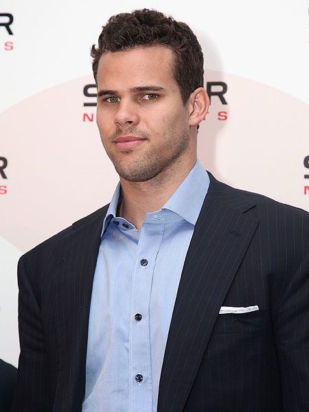 Kris Humphries Not Sick of &#039;Theraflu&#039;
