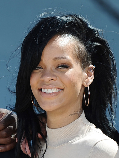 Rihanna Tells 'Extra' She's 'Living Her Truth'