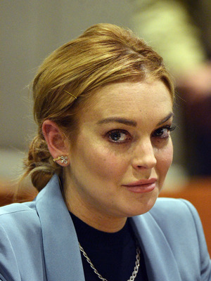 Extra Scoop: Lindsay Lohan to Be Charged with Assault?