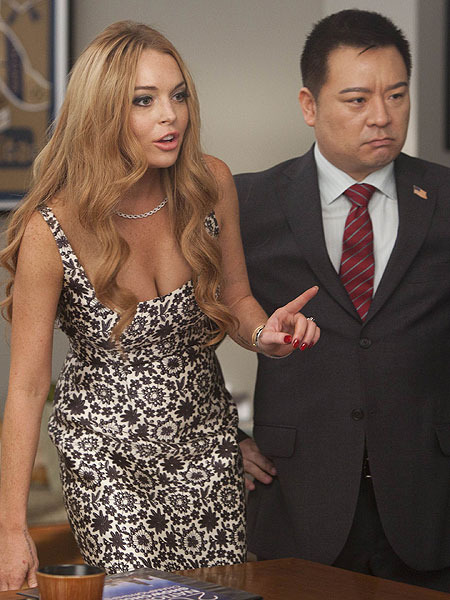Pics! Lindsay Lohan Judges on &#039;Glee&#039;