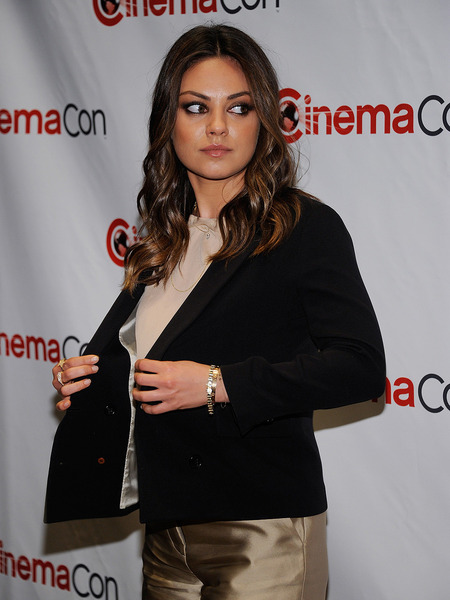 Extra Scoop: Man Charged with Stalking Mila Kunis