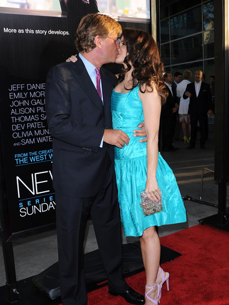 Newsroom Couple Confirmed: Aaron Sorkin and Kristin Davis Kiss on the Red Carpet