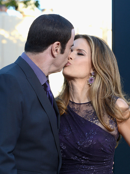 John Travolta and Kelly Preston Step Out at &#039;Savages&#039; Premiere