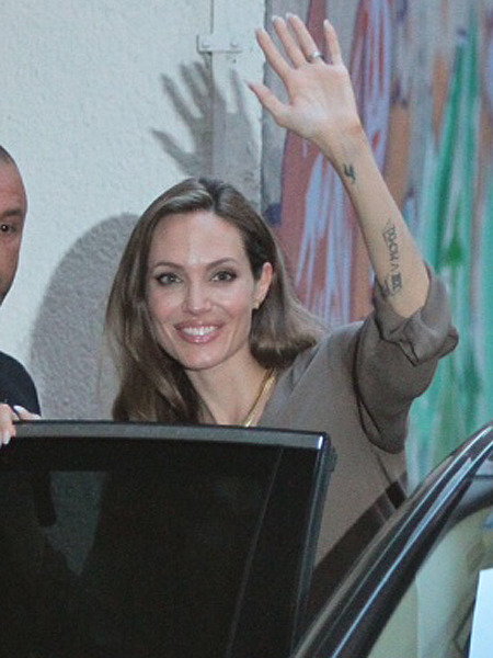 Angelina Jolie Becomes Honorary Citizen of Sarajevo