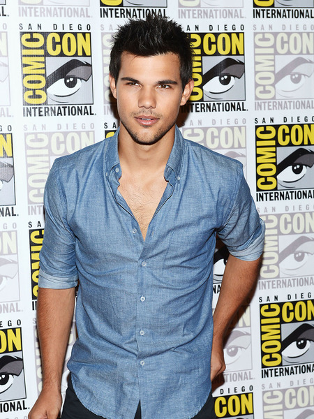 Taylor Lautner Reminisces About First 'Twilight' Comic-Con