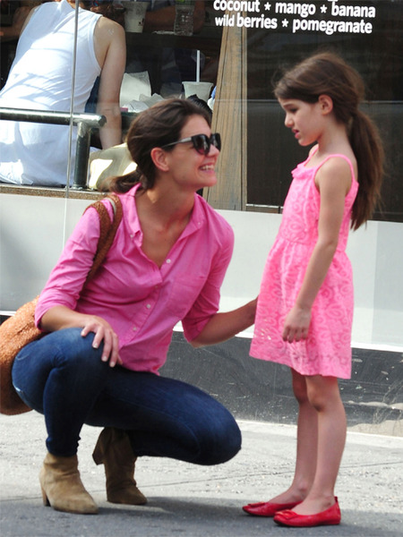 Katie Holmes and Suri's Car Crashes with Garbage Truck