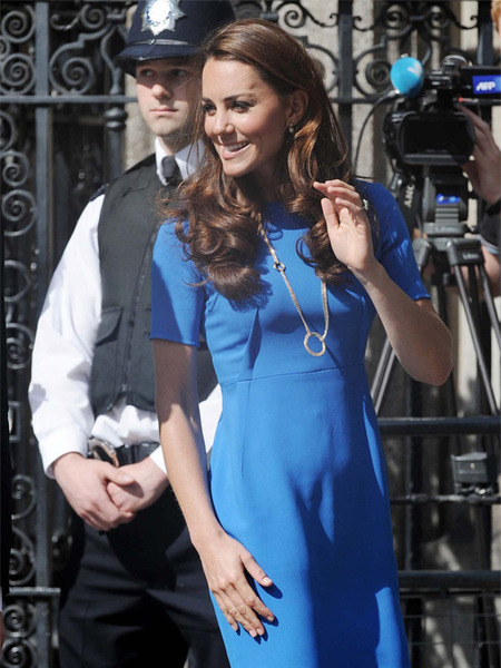 Royal Rumors: Kates Baby Bump, Middleton Family Party Problems