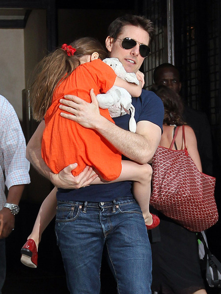 Tom Cruise and Suri Hit the Beach
