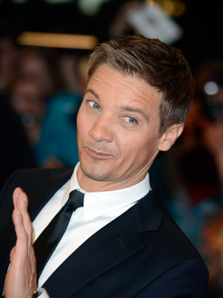 Jeremy Renner Mistakes Viagra for Sleeping Pill on London Flight