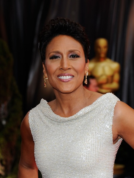 Extra Scoop: Robin Roberts Leaving GMA for Bone Marrow Transplant