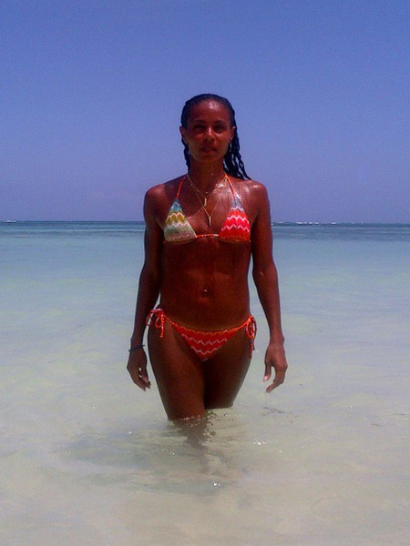 Jada Pinkett Smith Tweets Bikini Photo: 'We DO Get Better with Age!'