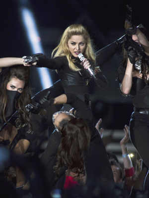 Extra Scoop: Madonna Facing Concert Threats in Russia
