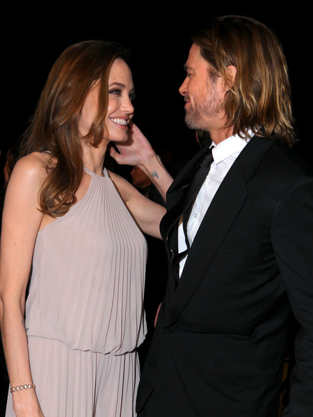No Weekend Wedding for Brad and Angelina 