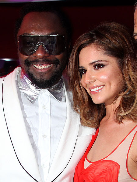 Extra Scoop: Will.i.am and Cheryl Cole in Car Crash