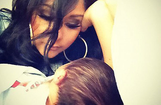 Snooki Tweets Adorable Pic of Baby Lorenzo!