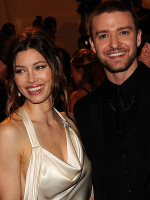 Extra Scoop: Pretty in Pink! Details on Jessica Biel's Wedding Dress