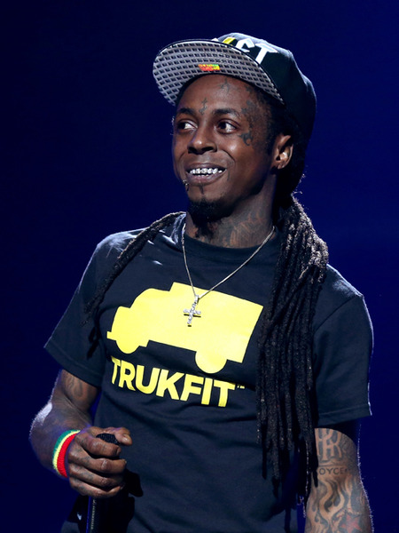 Lil Wayne's Plane Makes Emergency Landing after Medical Scare