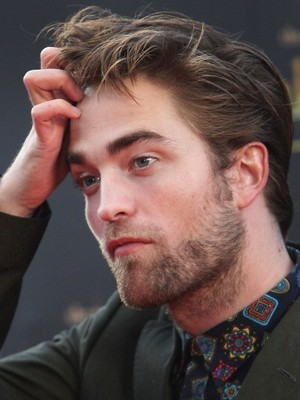 Extra Scoop: Robert Pattinson's Depression Revealed