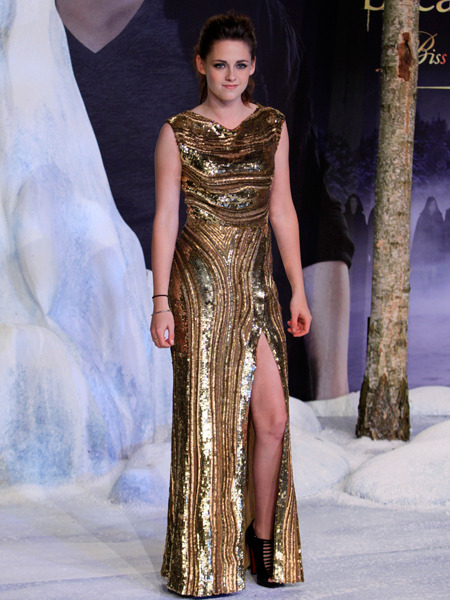 Kristen Stewart Channels Angelina Jolie at 'Breaking Dawn 2' Event?