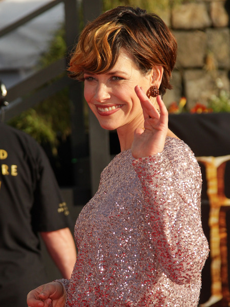 Evangeline Lilly Shows Off Dramatic New Haircut at Hobbit Premiere