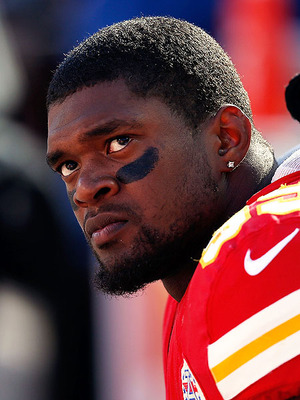 Kansas City Chiefs Player Kills Girlfriend, Commits Suicide