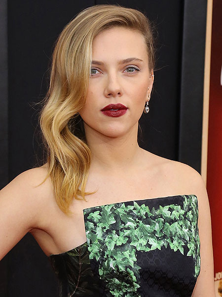 Scarlett Johansson, Others Deliver Taped Messages to Convicted Hackerazzo