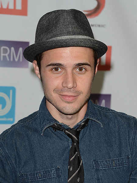Dad-to-Be Kris Allen Recovers from Car Accident