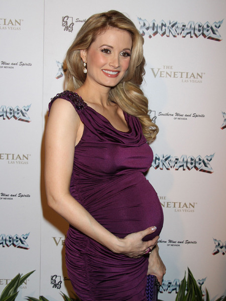 Expectant Holly Madison Moving After Pink Doghouse Dispute