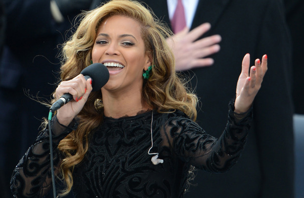 Lipsynch Stink: Beyonc Saving Voice for Super Bowl Halftime Show?