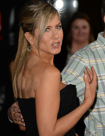 Pic! Did Jennifer Aniston Use Cupping Treatment?