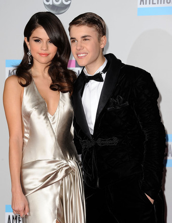 Back On? Selena Gomez, Justin Bieber Kiss in Norway