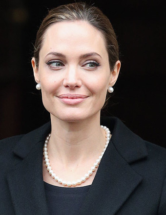 Angelina Jolie: 'I Made a Decision to Have a Preventive Double Mastectomy'