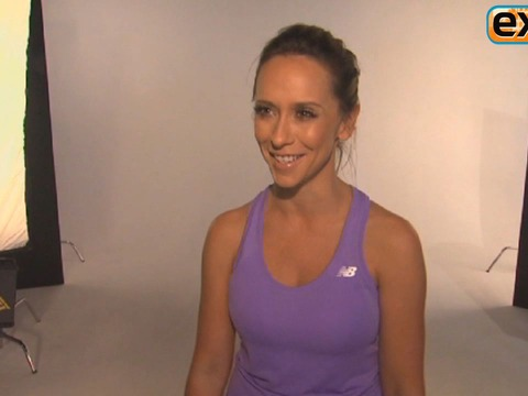 Jennifer Love Hewitt Talks Workout Secrets, 'The Client List'