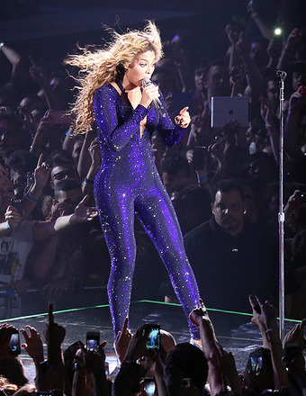 Video! Fan Slaps Beyoncé's Behind at Copenhagen Concert