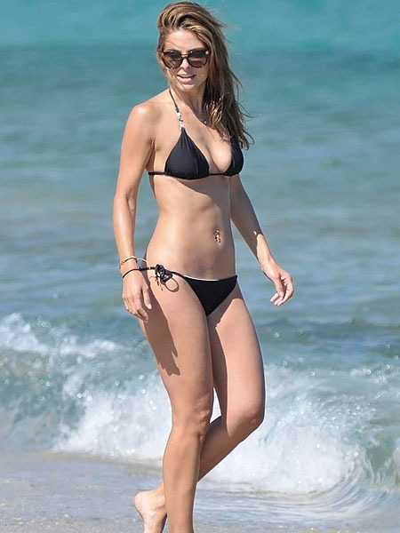 Maria Menounos Rocks a Bikini in Greece!