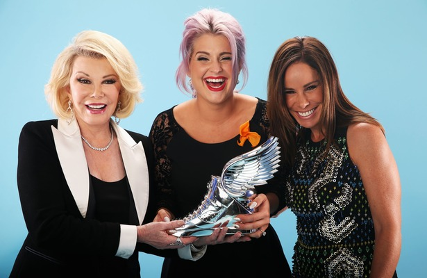 Melissa and Joan Rivers Honor Kelly Osbourne at Do Something Awards