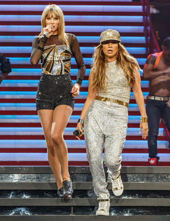 Video! Taylor Swift and Jennifer Lopez Sing 'Jenny from the Block'