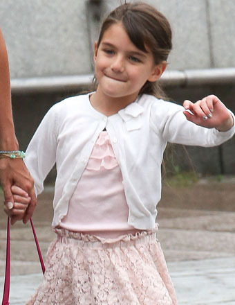 Poor Suri Cruise Broke Her Arm!