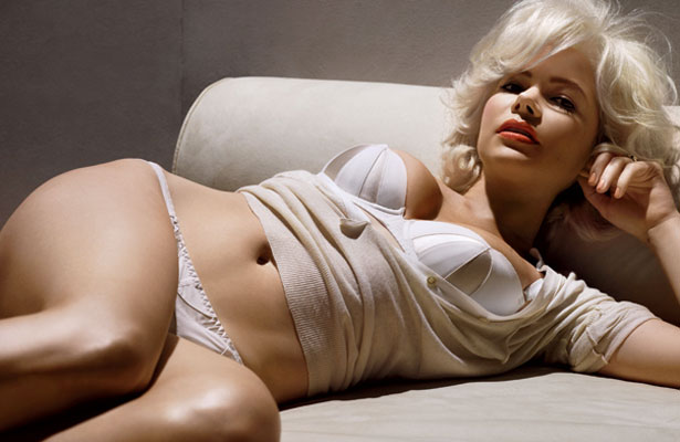 michelle-williams-inside.jpg
