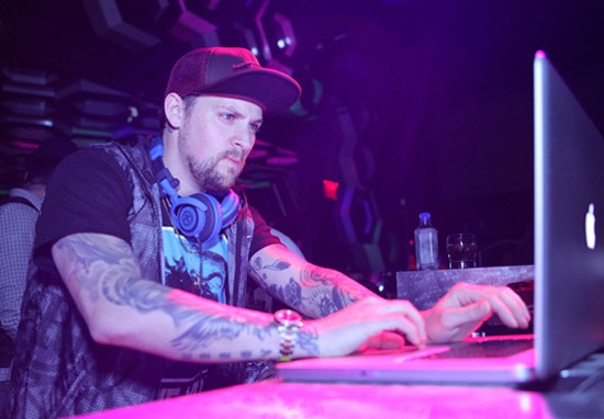 Joel Madden spins tunes for Haiti