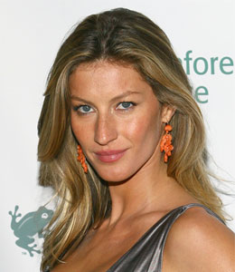 Gisele Bundchen gave birth in a bathtub
