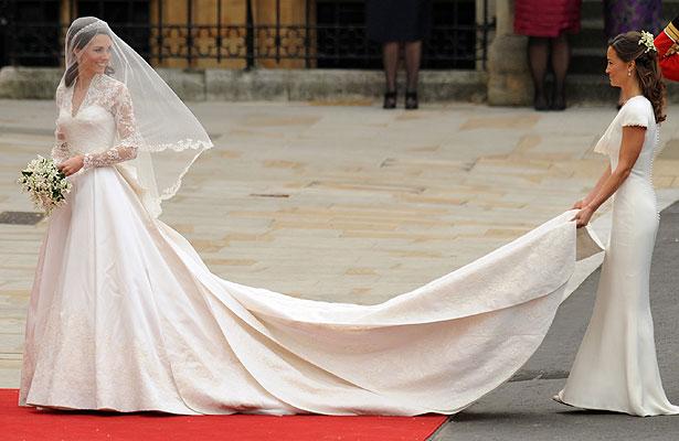 Kate middleton 39 s wedding dress by sarah burton of for Sarah burton wedding dresses official website