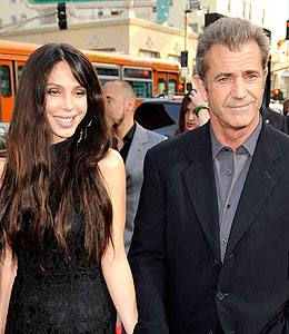 mel gibson's girlfriend oksana grigorieva expecting baby