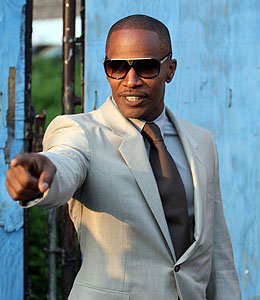 jamie foxx is hosting the 2009 bet awards