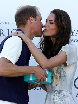 william-kate-kiss.jpg