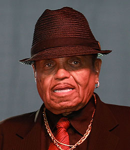 joe jackson suspects foul play in michael's death
