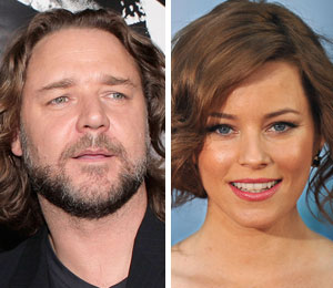 Russell Crowe and Elizabeth Banks' Car 'Clipped' class=