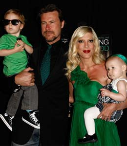 Tori Spelling and Dean McDermott light the LEGOLAND Christmas tree